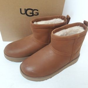 CLEARANCE! New UGG Classic Leather Boots 9
